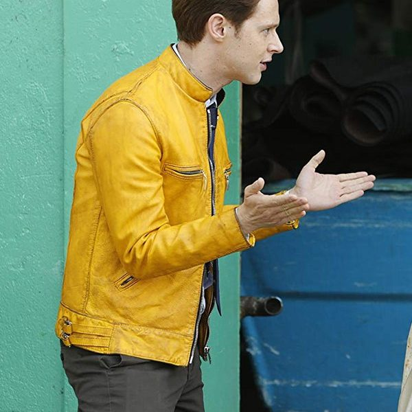Dirk Gently Holistic Detective Yellow Jacket-5286