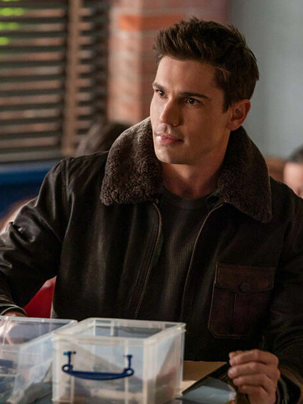 Roswell, New Mexico S03 Tanner Novlan Shearling Leather Jacket